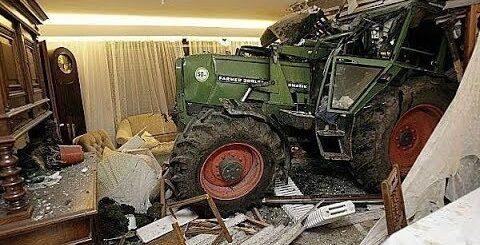 Приколы и необычные случаи трактористов. часть 2