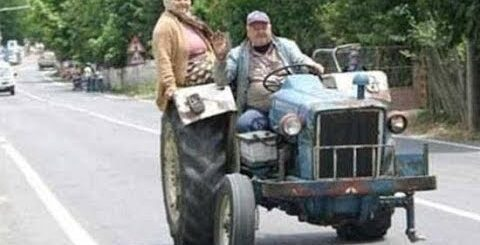 Приколы и необычные случаи трактористов.