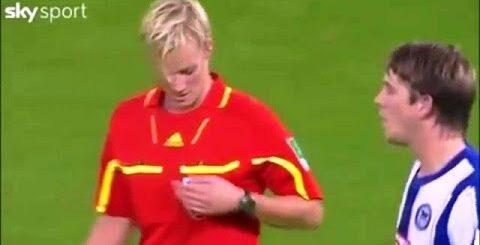 Приколы с женщинами судьями в футболе!