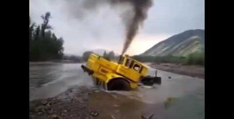 Видео приколы про трактара и трактористов, в колхозе, в деревне