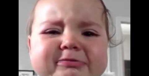 Сладкий мальчик ●Приколы про детей● Плачущий ребенок
